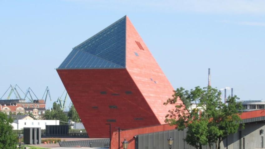 Nowa lokalizacja punktu drive thru w Gdańsku. Działa na parkingu Muzeum II Wojny Światowej
